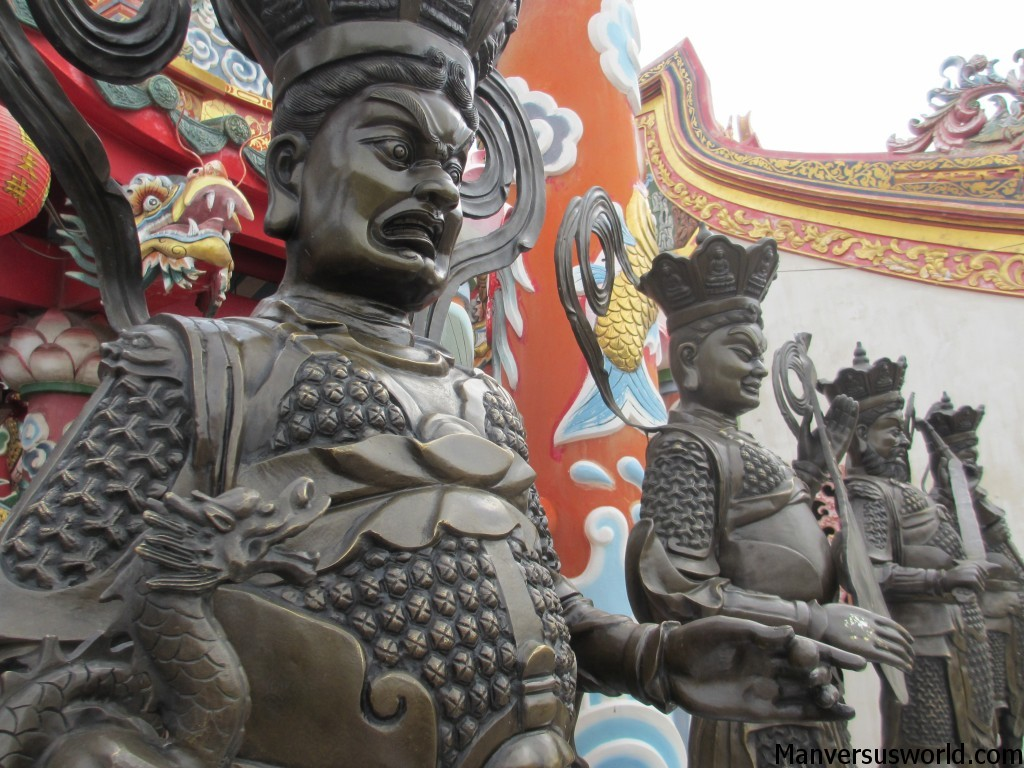 Fierce-looking Thai statues in Ayutthaya