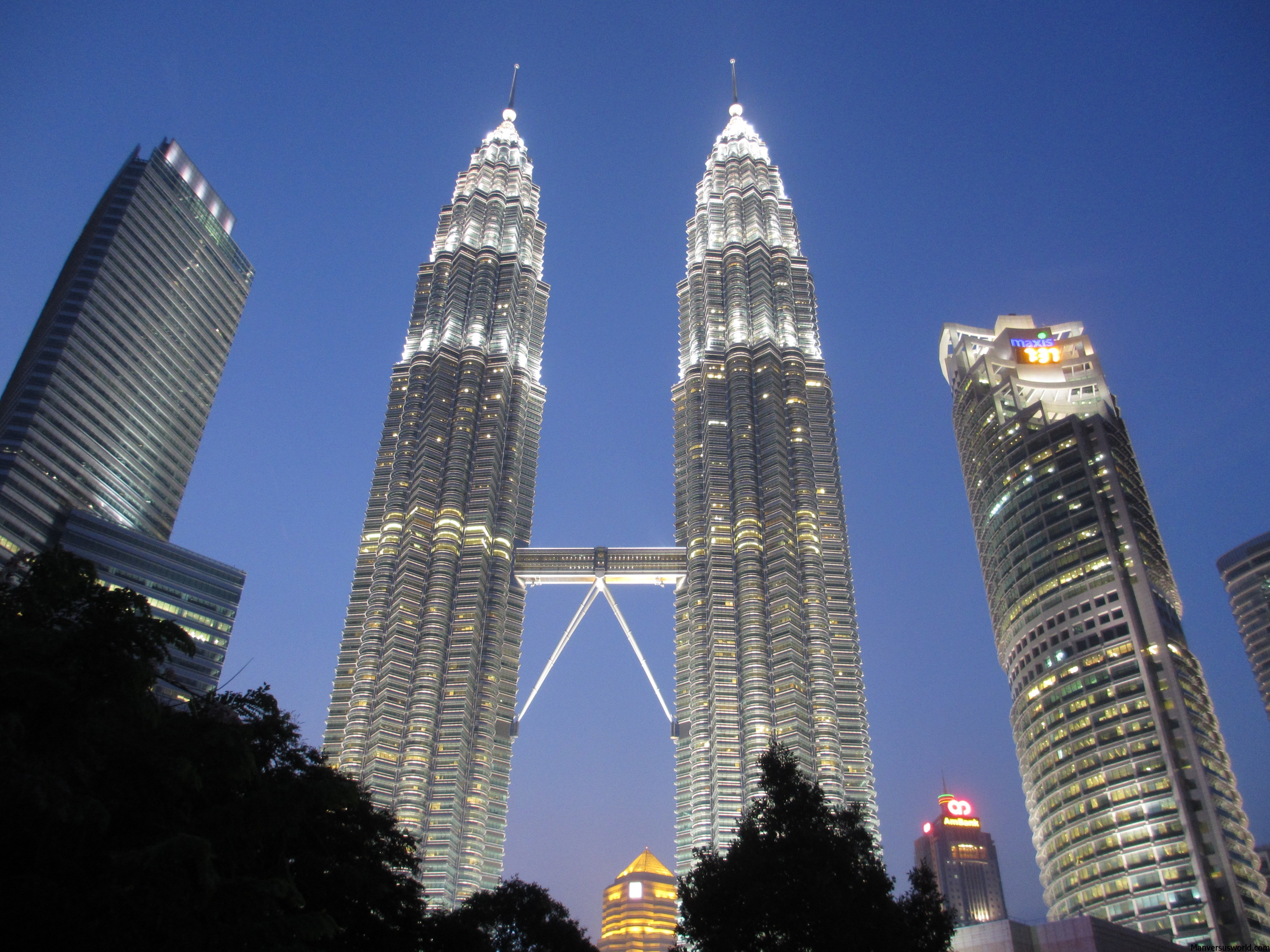 How Much Did It Cost To Build The Petronas Towers