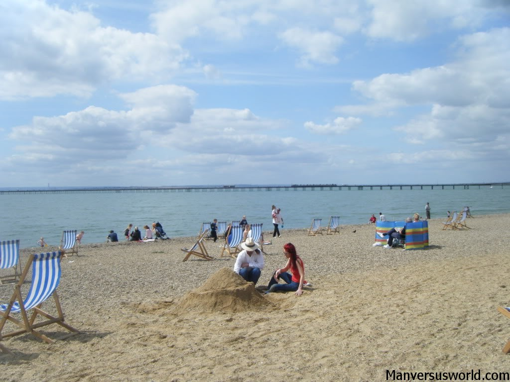 A lovely day at the beach in Southend-on-Sea