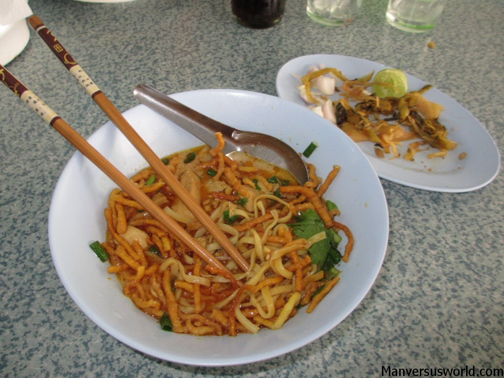 An amazing bowl of khao soi in Thailand