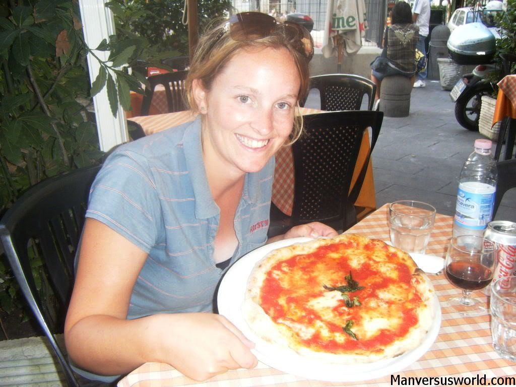 Nic shows off her amazing pizza in Naples, Italy