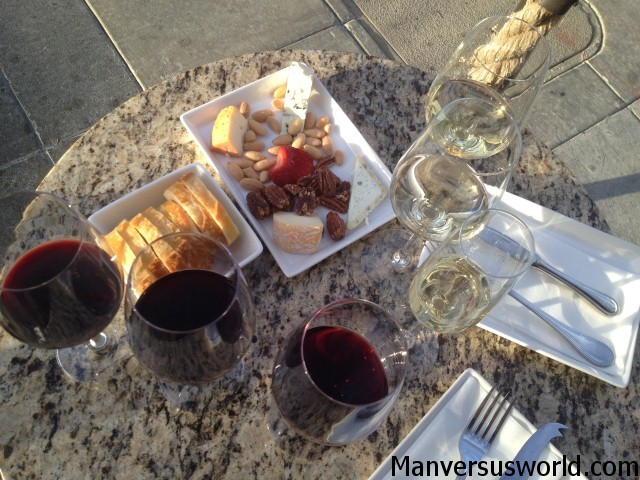 Wine and food tasting in Napa