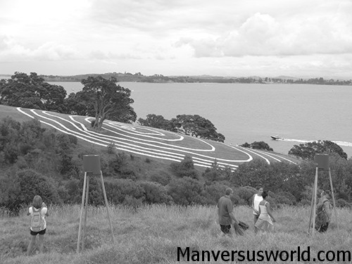 The Waiheke Headland Sculpture on the Gulf art trail