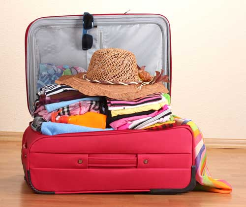 5 pretty essential items to keep in your bag while travelling