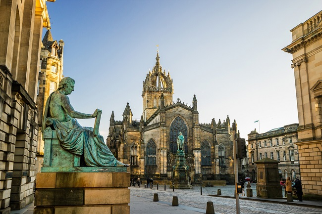 Five Reasons to Visit Edinburgh
