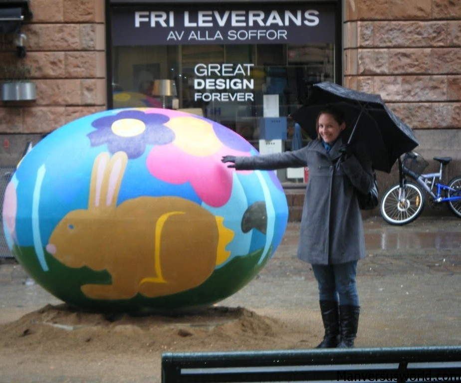 Nic with a giant Easter egg in Sweden