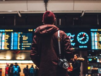 5 Ways to Deal with a Delayed Flight