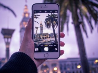 3 Creative Ideas for Getting Travel Pictures off Your Phone